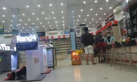 Tên trộm đột nhập từ mái nhà FPT Shop, cuỗm nhiều ĐTDĐ