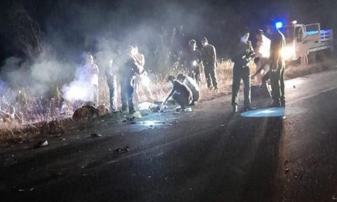 Xe máy đối đầu trong đêm, hai người tử vong