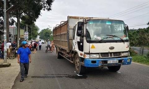 Xe tải tông xe máy, 2 nữ sinh tử vong thương tâm trên đường đến trường