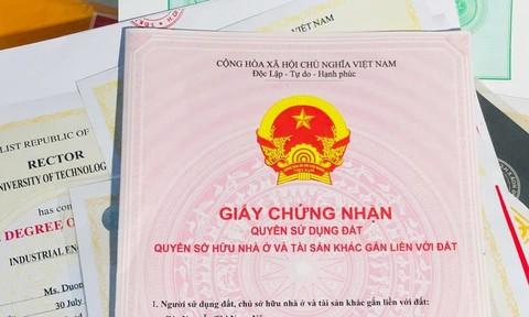 Gã đàn ông ở Sài Gòn làm giả nhiều sổ đỏ, lừa đảo hàng tỷ đồng