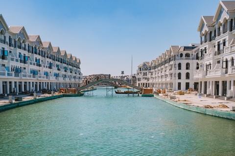 Hình ảnh thực tế tại dự án cho thấy kênh đào Venice đang ở trong những công đoạn hoàn thiện cuối cùng