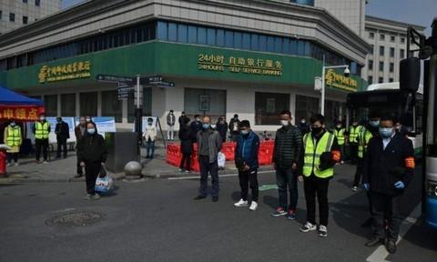 Trung Quốc dành 3 phút tưởng niệm bệnh nhân tử vong vì Covid-19