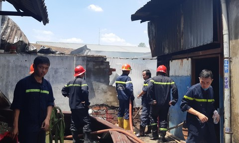 TPHCM: Dập tắt nhanh vụ cháy tại một công ty giữa mùa dịch