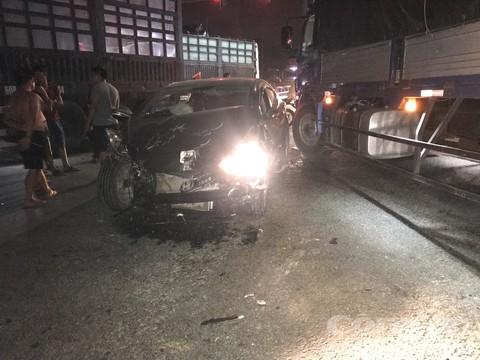 Xe ô tô hư hỏng nặng.