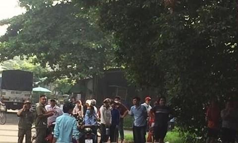 Thi thể thanh niên không mặc áo, treo cổ trên cây trong KCN