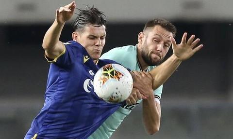 Inter chia điểm những phút cuối dù dẫn trước đối thủ
