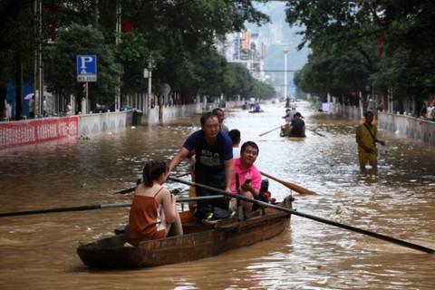 Trung Quốc Nang Mức Cảnh Bao Lũ Lụt