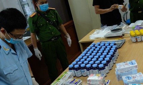 Phá đường dây vận chuyển 43.000 viên ma túy từ châu Âu