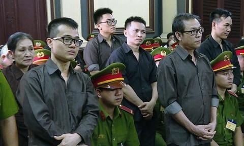 """Xét xử 8 thành viên nhóm kín """"Hiến Pháp"""" tội phá rối an ninh"""