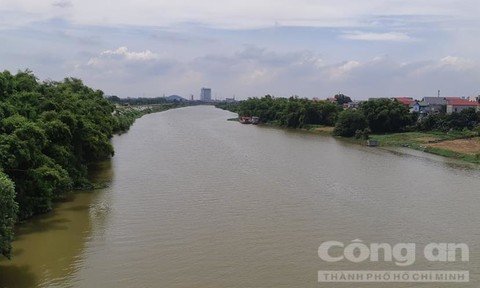 Sông Thương nơi phát hiện thi thể 3 mẹ con.