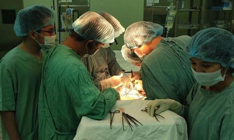 Bệnh viện ghép thành công ca thận tự thân nữ bệnh nhân