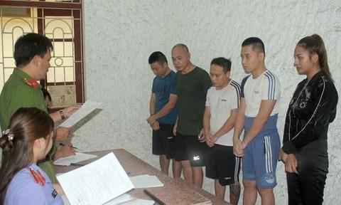 Giang hồ mạng Dũng 'trọc' và 4 người 'bay lắc' bị khởi tố