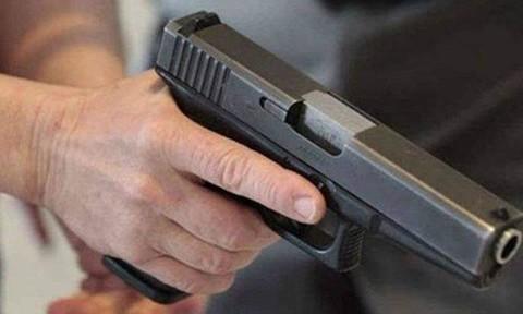 Truy bắt đối tượng nổ súng vào quán cà phê