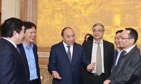 Thủ tướng đề nghị các chuyên gia tìm động lực mới cho phát triển
