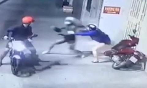 Băng nhóm xịt hơi cay, cướp tài sản đôi nam nữ ở Sài Gòn bị bắt