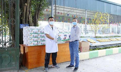 Vinamilk tặng sữa, quà Tết cho hơn 800 trẻ em đón Tết nơi cách ly