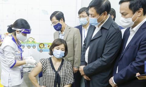 VNVC phối hợp cùng Bộ Y tế tổ chức tiêm chủng vắc xin Covid-19 đợt đầu tiên