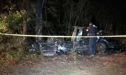 Hai người thiệt mạng sau khi sử dụng xe tự lái của Tesla