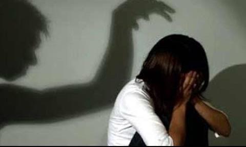 Bắt gã cha dượng đồi bại, nhiều lần xâm hại con riêng của vợ