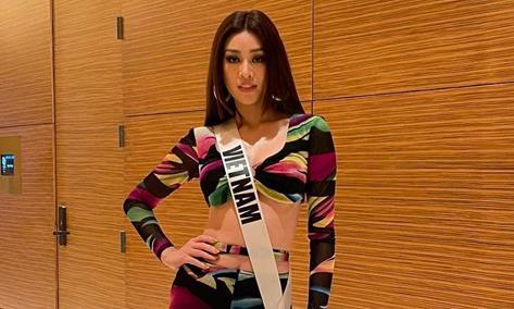 Clip Khánh Vân và thí sinh thi Miss Universe tập luyện bán kết