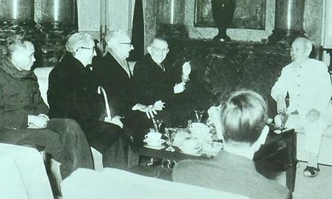 Hồ Chí Minh - Người Cộng sản vĩ đại