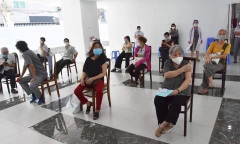 TPHCM hoàn thành đợt tiêm vắc xin thứ 5, triển khai tiêm đợt 6