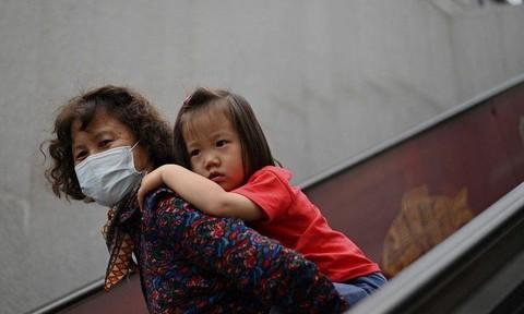 Nhiều nước ở Châu Á 'đua nhau' trả tiền để các cặp vợ chồng sinh thêm con