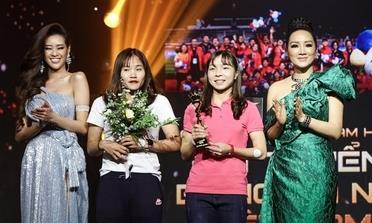 Đội tuyển nữ Việt Nam nhận giải Ngôi sao truyền cảm hứng