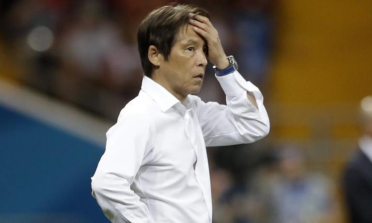 HLV Nishino bị LĐBĐ Thái Lan giảm lương