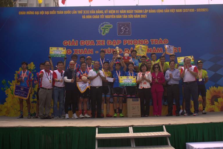 TPHCM: Sôi nổi giải đua xe đạp mừng Xuân - mừng Đảng