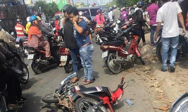 Hiện trường vụ tai nạn giao thông liên hoàn khiến giao thông qua khu vực bị ảnh hưởng
